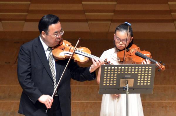 早期教育2015ヴァイオリン03鈴木 真悠さん